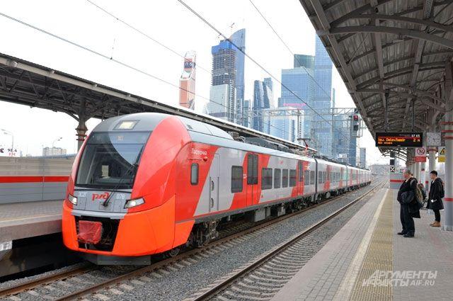 Средняя скорость «Ласточки» на МЦК — 36 км в час, однако максимально электропоезд может разогнаться до 110.