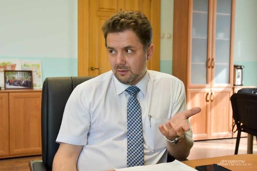Павел Мартьянов, глава ГО Богданович: «Глава города, к сожалению, должен быть не только хозяйственником, но по факту ещё и политиком. И при этом быть ответственным за всё в городе. Как бы ко мне ни относились, я в любом случае буду работать на его благо».