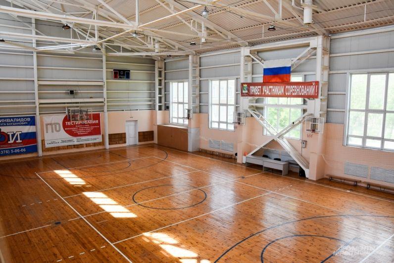 Сегодня здесь проходят занятия по баскетболу, волейболу, йоге, иным направлениям, в том числе и разные турниры.
