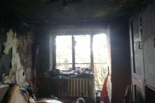 В Оренбурге на пожаре спасены 8 человек, среди них 5-летняя девочка