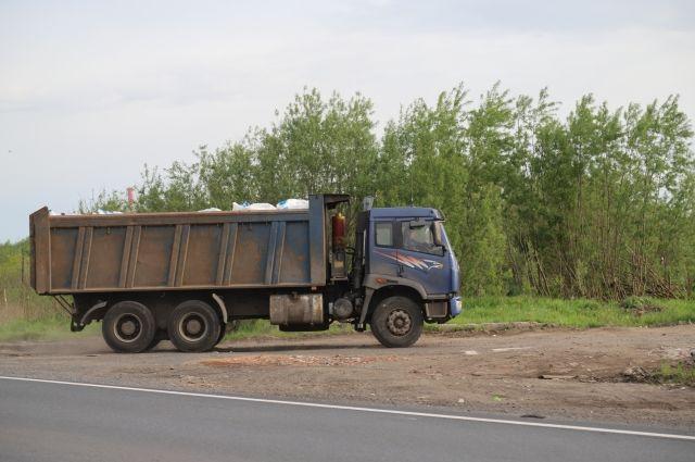 Кто-нибудь проверяет содержимое грузовиков с мусором?