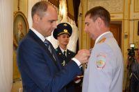В Оренбурге за мужество, отвагу и самоотверженность наградили Виталия Субботина.