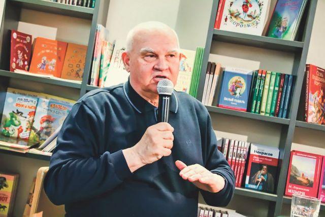 Александр Лапин: «Санкт-Петербург – ум России, Москва – сердце, Урал – становой хребет, а Крым – душа...»