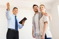 Треть договоров на покупку недвижимости заключают молодые пары.