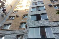 Пожилая тюменка выпала с четвертого этажа и скончалась от полученных травм