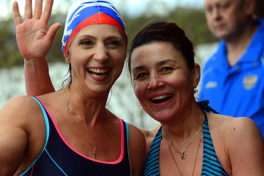 Ирина Петрова и Анна Королько радуются открытию летнего сезона!