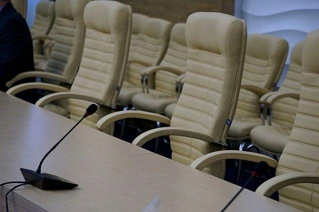 В совете Сыктывкара два депутата освободили занимаемые должности.