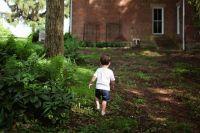 Оказалось, что четырёхлетний ребёнок самовольно ушёл из детской больницы и гулял по улицам.
