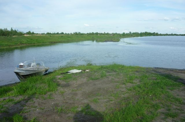 Водолазы нашли тело утонувшего мужчины на реке Обь