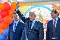 Юрий Биктугнов в центре
