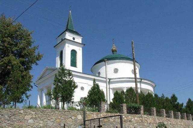В Киевской области из-за молнии загорелась известная церковь