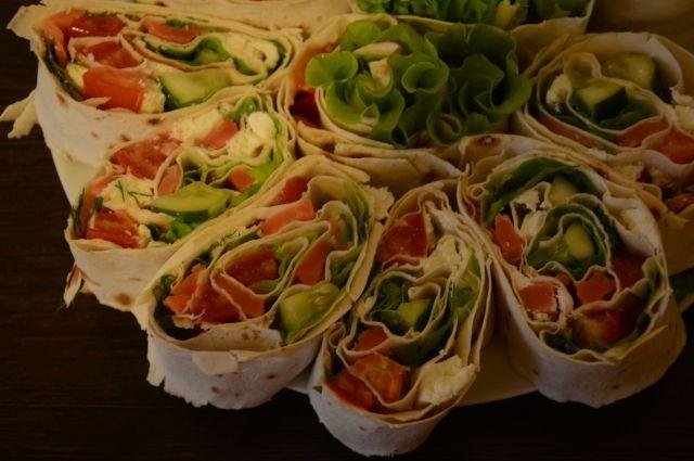 Блюда из лаваша легко приготовить.