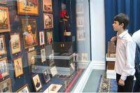 Студенты и школьники, воспитанники кадетских корпусов, обычные ростовчане, именитые гости из столицы и иностранцы интересуются историей донской казачьей гвардии.