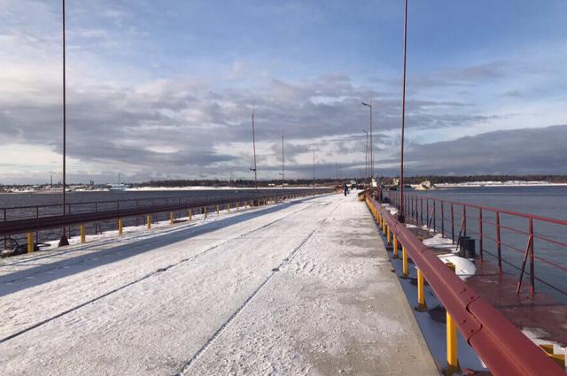 Движение по наплавному мосту через реку Пур открыто