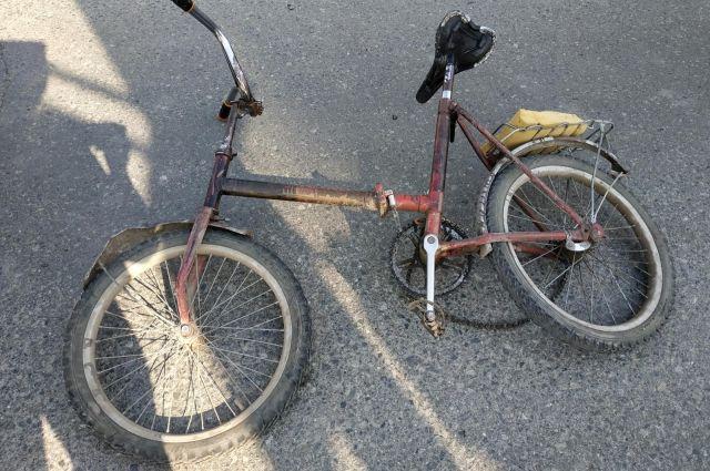 Пожилой велосипедист получил травмы - его отвезли в больницу.
