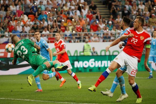 21:32 08/06/2019  663  Сборная РФ по футболу разгромила команду Сан Марино на отборе Евро-2020    Матч завершился со счетом 9:0