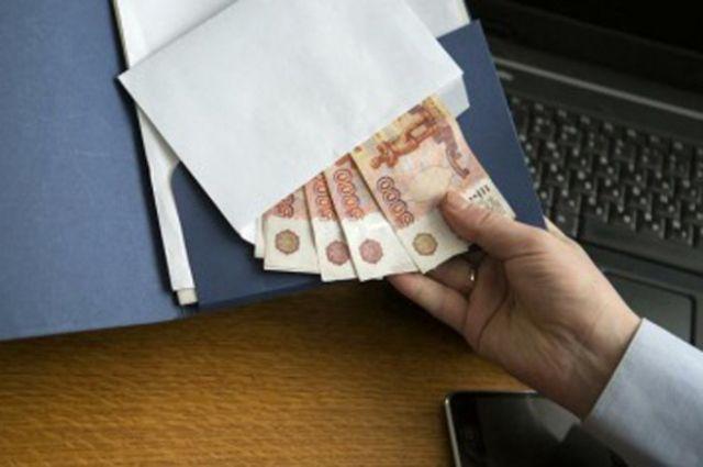 Замглавы Барнаула подозревают в получении крупной взятки