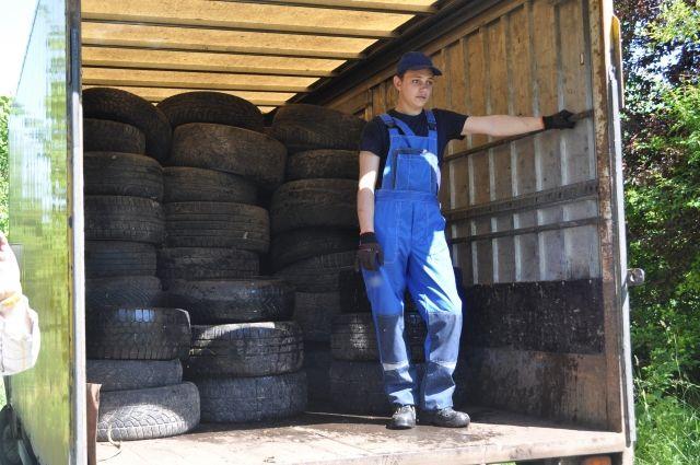 В Гурьевском районе нашли незаконную свалку шин