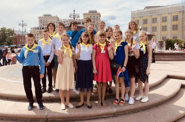 Юные тюменцы из многодетных семей отпраздновали День защиты детей в Москве