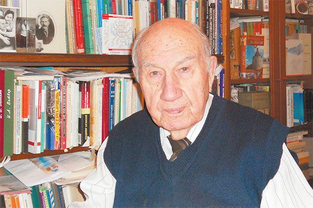 Георгий Михайлович был сотрудником Института градостроительства ирайонной планировки. Сегодня про район говорит и как житель, и как специалист – онрасцветает с каждым днём!