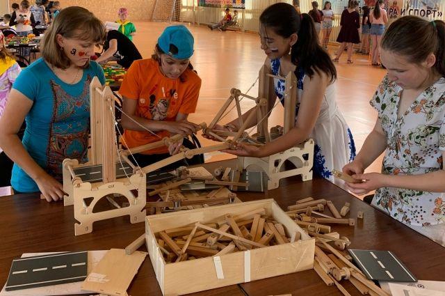 Для упопровских школьников провели игротеку «Конструктория PRO»