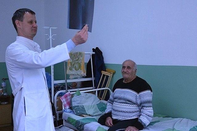 Средний возраст медперсонала в Кагальницкой больнице не превышает 35 лет.