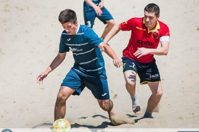 «АиФ.ua» уступил «Анреал-Atrix» в чемпионате Киева по пляжному футболу.