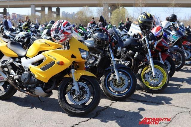 Тюменцы и тюменки устроят гонки на мотоциклах