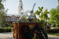 Уже несколько лет россошанцы протестуют против памятника альпийским стрелкам в своем городе.