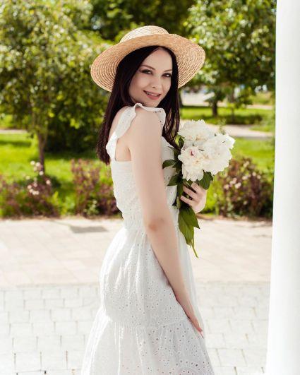 Обердерфер Мария Александровна. 21 год. Менеджер в «ВСК». Хобби - спорт, танцы, модельное агентство.