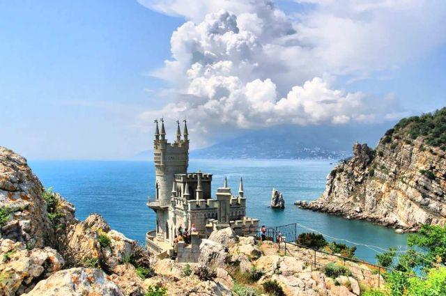 В Госпогранслужбе рассказали, сколько украинцев посетили Крым