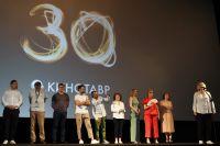 Съемочная группа фильма режиссера Анны Пармас «Давай разведемся» на премьере фильма. «Кинотавр-2019».