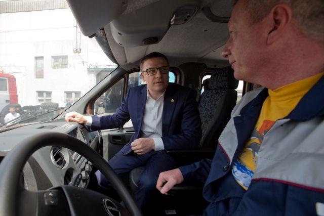Алексей Текслер лично оценил новинки миасского автомобилестроения.