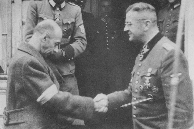 Тадеуш Коморовский и обергруппенфюрер СС Эрих фон дем Бах.