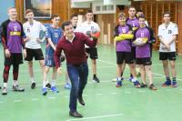 Губернатор ЯНАО встретился с гандбольной командой «Фаворит»