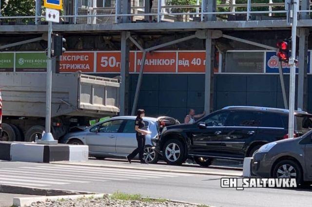 Массовое ДТП в Харькове: водитель умер прямо за рулем