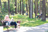 На аллеях парка прохладно даже в жару.