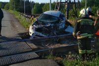 Водитель и пассажирка скрылись с места аварии.
