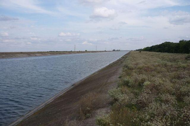 Когда-то Украина обеспечивала до 85% потребностей Крыма в пресной воде через Северо-Крымский канал.