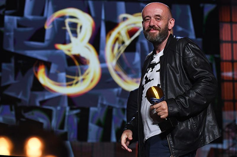 Александр Лунгин, победивший в номинации «За лучшую режиссуру». Фильм «Большая поэзия».