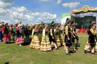 Парад муниципалитетов получился очень красочным.