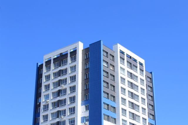 Съемка велась на крыше одной из многоэтажек на улице Соборной.