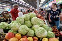 На Центральном рынке за кило капусты просят до 70 руб.