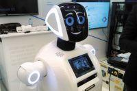 Разработчики планируют, что скоро робот сможет проводить сложные медицинские анализы.