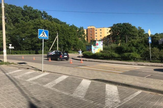 В Гурьевске школьник попал под колёса, пересекая дорогу на самокате