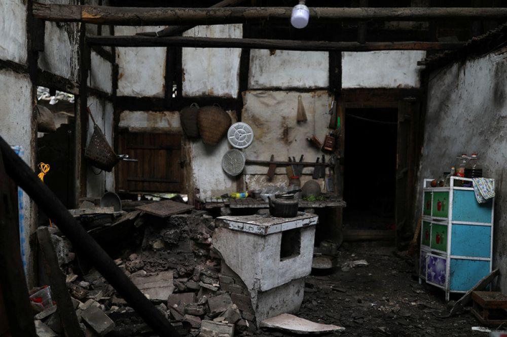 Жилой дом после землетрясения.