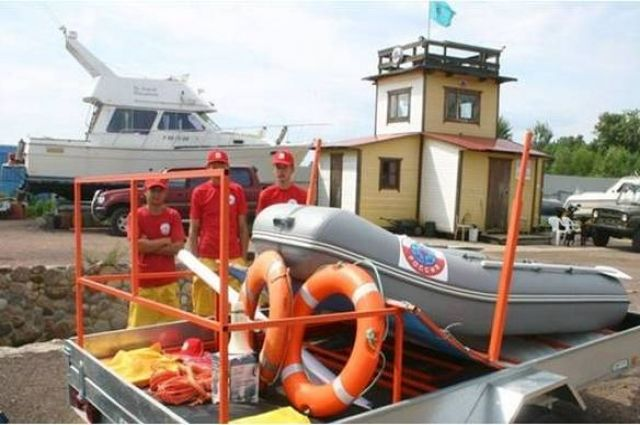 Мобильные спасательные посты обеспечат безопасность в местах отдыха людей у воды в Эжвинском районе, районе Краснозатонского моста, а также в местечке Заречье.