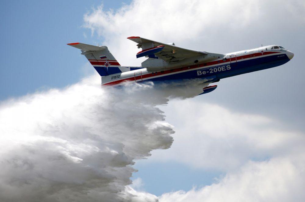 Российский самолет-амфибия Бе-200.
