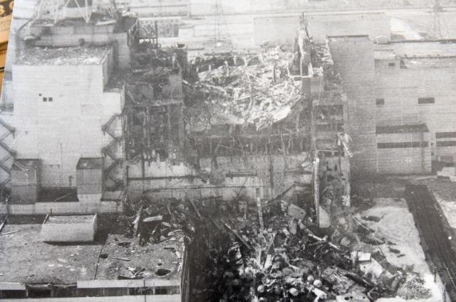 Разрушенный реактор четвертого энергоблока на Чернобыльской атомной электростанции.