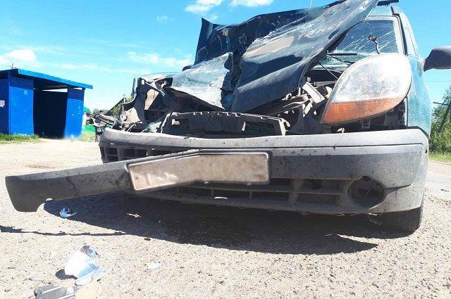 32-летний водитель автомобиля Renault нарушил правила дорожного движение - не выдержал безопасную дистанцию до впереди идущего автомобиля.